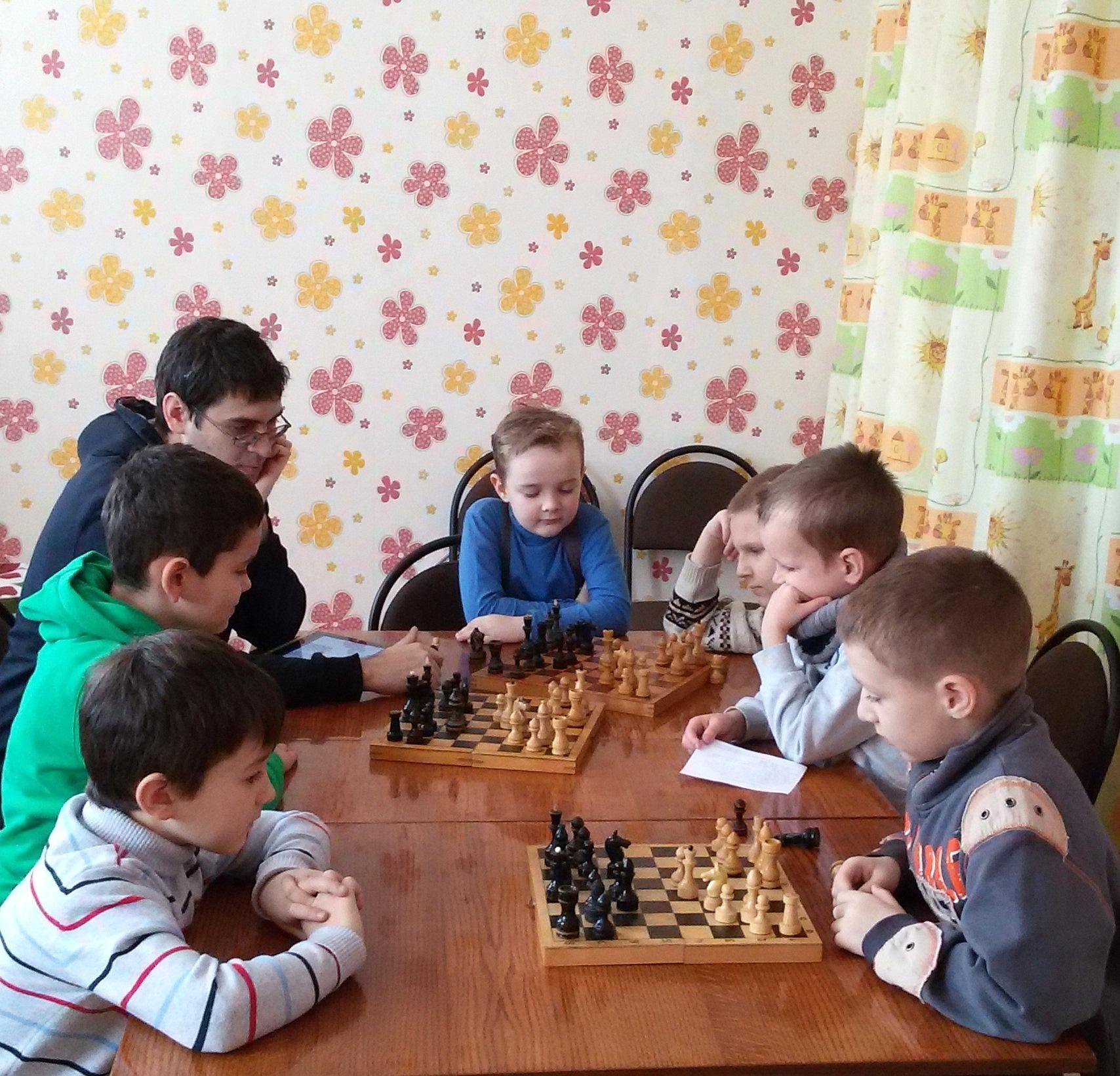 Шахматы для детей с 'нуля' в Сухарево