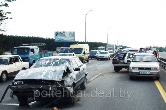 За минувшие выходные на дорогах Беларуси по вине водителей без прав случилось несколько ДТП